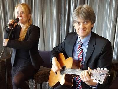Nightingale: Jazz und Swing mit der Sängerin Sigrid Haverkamp und Igor Lazarev an der Gitarre